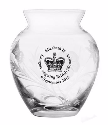 Picture of Royal Scot Cystal Longest-reigning Monarch Posy Vase
