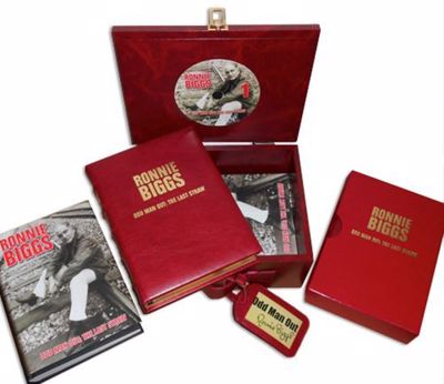 Picture of Odd Man Out: The Last Straw - Limited VIP Box Set