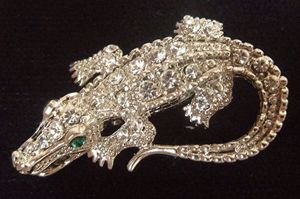 "Crocodile Brooch 1 1/4""/3cm long"